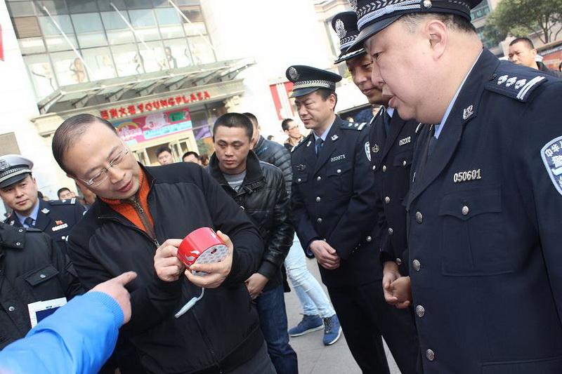 常州成威消防产品进驻2015年110宣传日活动    副市长兼公安局局长尚建荣亲临现场